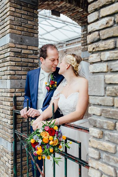 kleurrijke trouwen bloemen